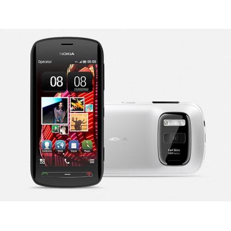 Nokia Lumia 808